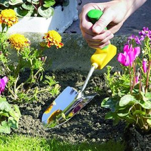 A gift that gives the grip of gardening | Image courtesy Amazon seller A'BLE