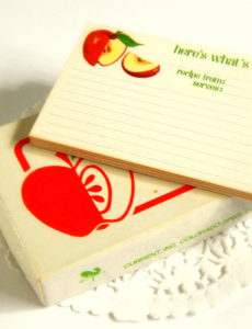 Sweet apple recipe cards. | Image courtesy Etsy seller ThePaperBasket