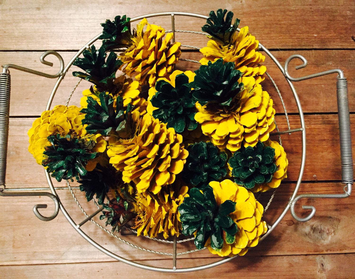 pineapple pinecones