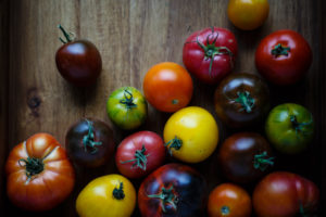 summer tomatoes make jam as a gift