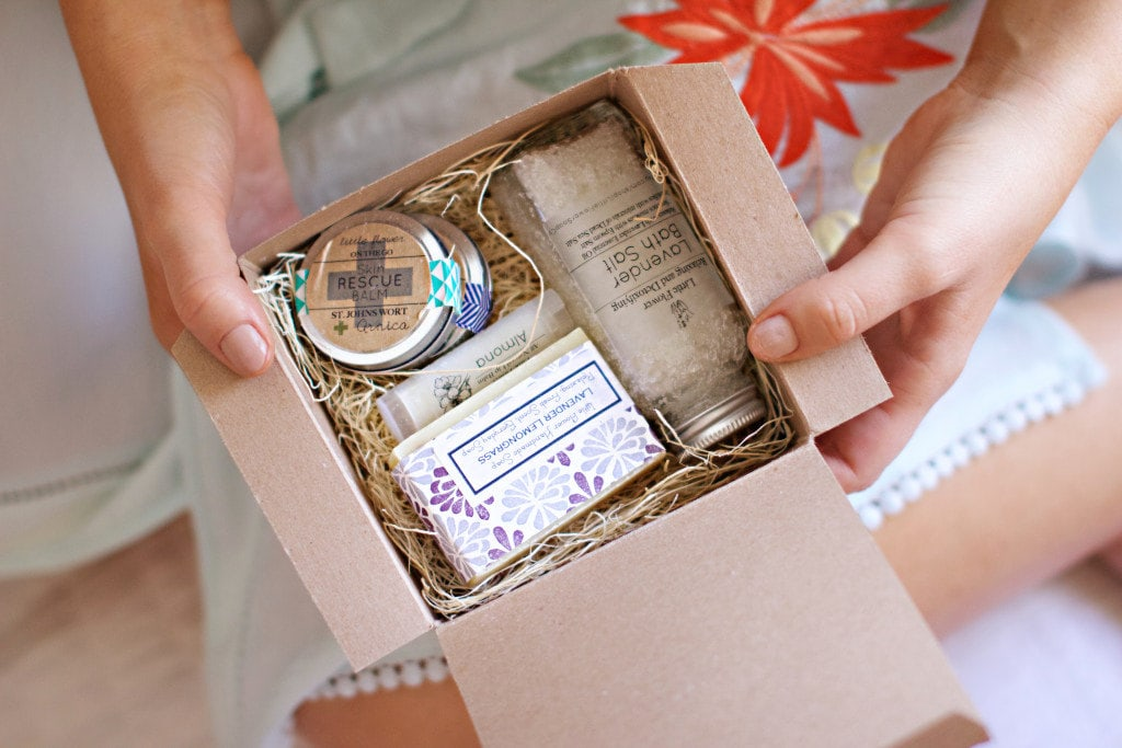 Best Friend Gift Baskets A Bestie Basket Image Courtesy Etsy Er Littleflowersoapco