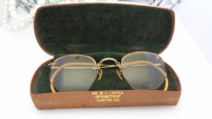funny vintage glasses for 40th birthday gift for guys