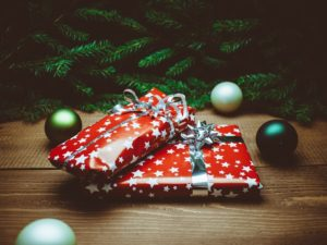 Host a gift exchange party this Christmas