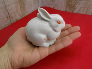 A rabbit figurine makes a good present.