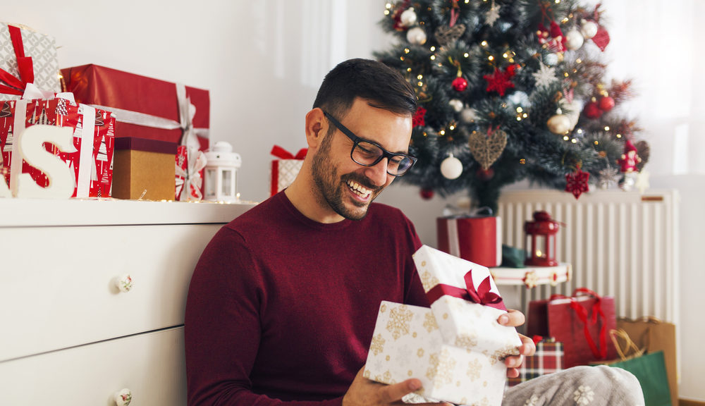 An online Christmas wish list maker can streamline your holiday shopping.