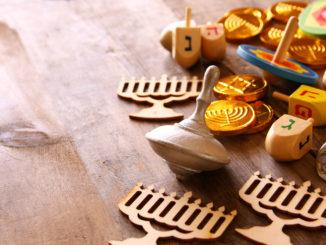 A Hanukkah wish list helps you stay organized.