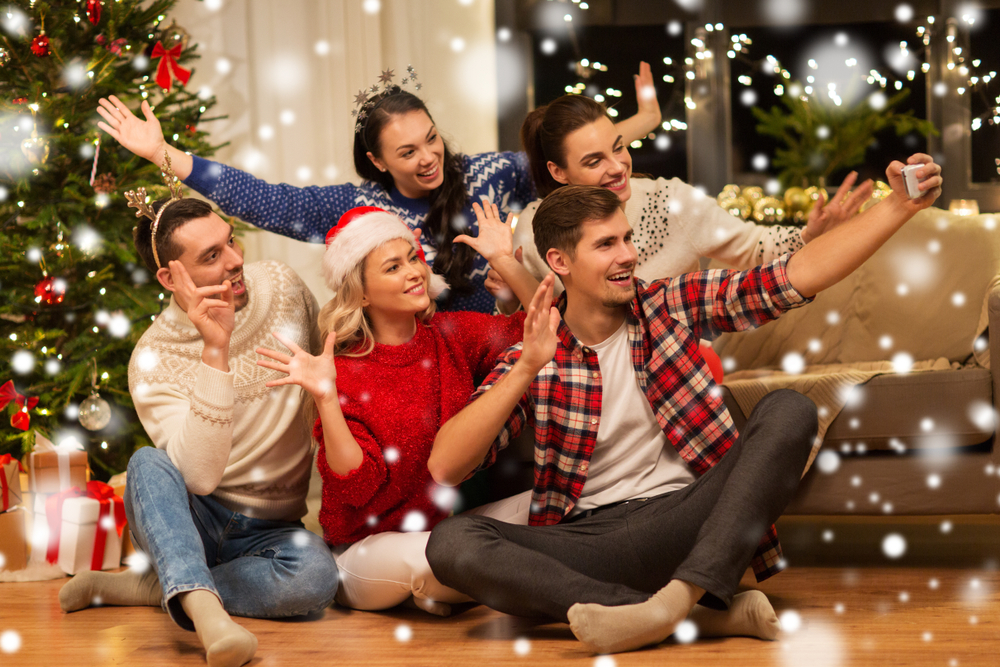 Christmas party games for small groups are great ways to up the fun.